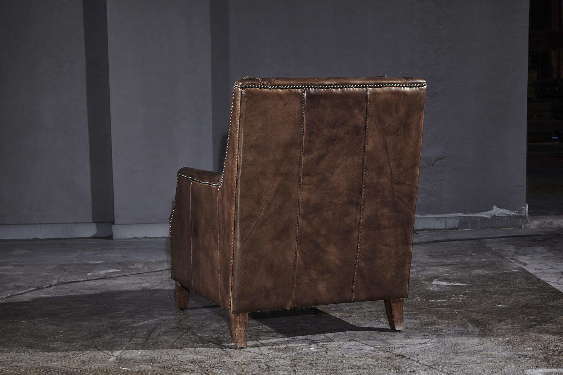 Industrial Retro Vintage Cigar High Back Leather Armchair With Solid Wood Legs