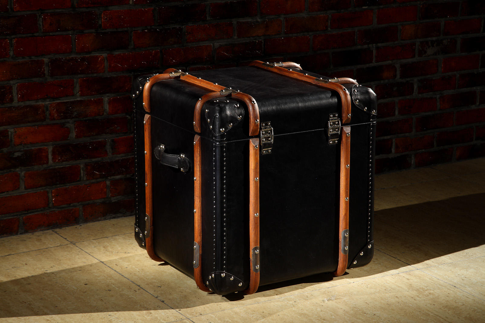 Antique Style Black Full Genuine Leather Storage Trunk Lifted Cover With Solid Wood Bar And Copper Nails