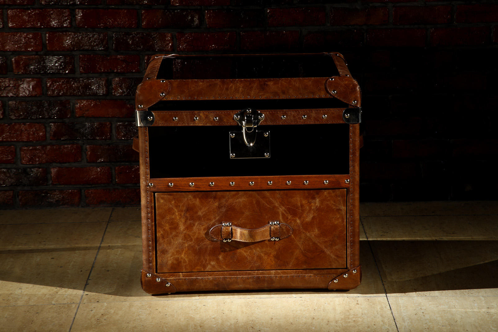 American style vintage tan brown leather storage trunk with multi nailheads